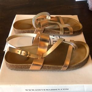 Steve Madden Little girl sandals. Size 3
